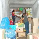 Im Hilfsgüter-Container