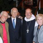 Pater Klaus OPR mit den Stoibers