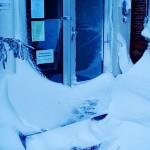 Unsere verschneite Eingangstür