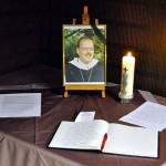 Das Kondolenzbuch in der Kapelle