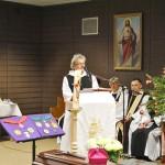 Bruder Fritz Hartmann vom Brunnenhof trug eine der Lesungen vor