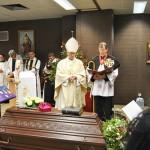 Bischof Roald am Sarg