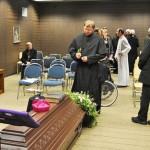Jeder verabschiedet sich noch einmal von Abt Klaus OPR