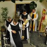 Einzug ins Kloster-Gebäude
