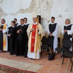 Die Mönche der Abtei St. Severin und der Filiatur St. Andreas, zusammen mit der Pastorin und dem Pastor der Kirche in Abaujvar