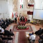 In einer Multimediapräsentation wurden Lieder und Stationen aus dem Leben von Abt Klaus gezeigt