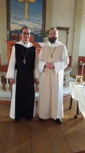 Abt Michael OPR mit P. Franciskus OPR, dem neuen Novizen